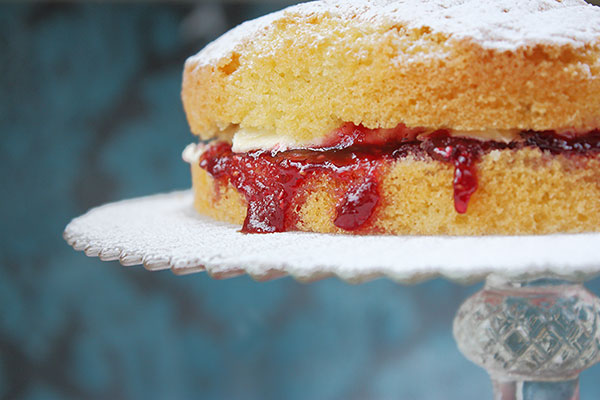 Foods Brits can't live without | Victoria Sponge